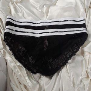 lot of 2 Victoria's Secret lace low rise bikini, M